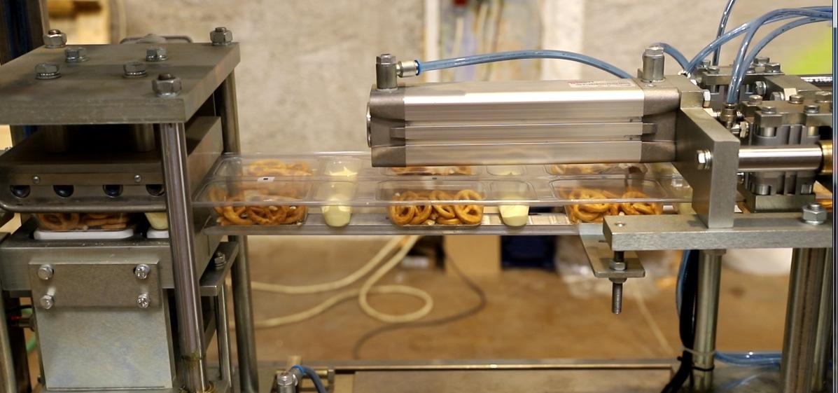 Упаковка печенья в блистер