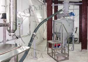 перемещение продукта из одного бункера технологического в другой по спиральному транспортеру