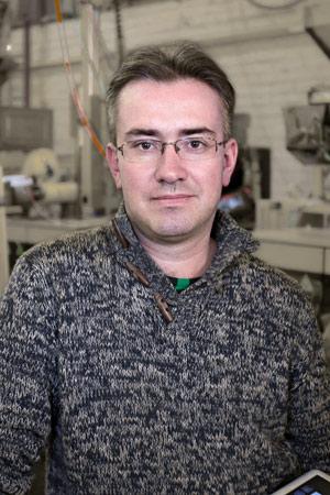 главный инженер направления проектов вертикального упаковочного оборудования компании Сергей Александрович Киуру
